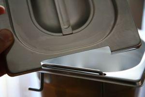 GST2/4P065M Contenitore Gastronorm in acciaio 2/4 530x162 x H65 mm con maniglie